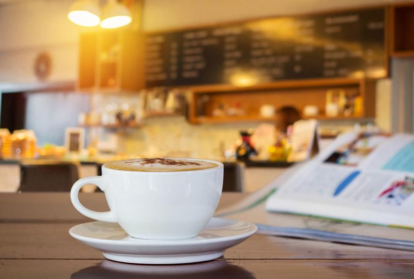 Według najnowszych badań kawa nie działa jak narkotyk i nie ma wpływu na pogorszenie stanu zdrowia /123RF/PICSEL