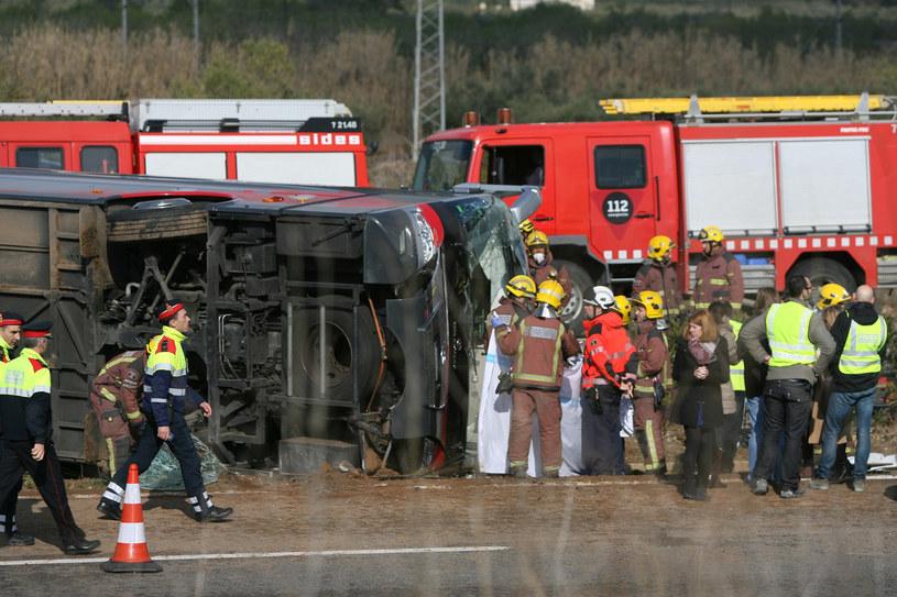Według najnowszych informacji w wypadku zginęło 13 osób / EFE/Jaume Sellart /Agencja FORUM