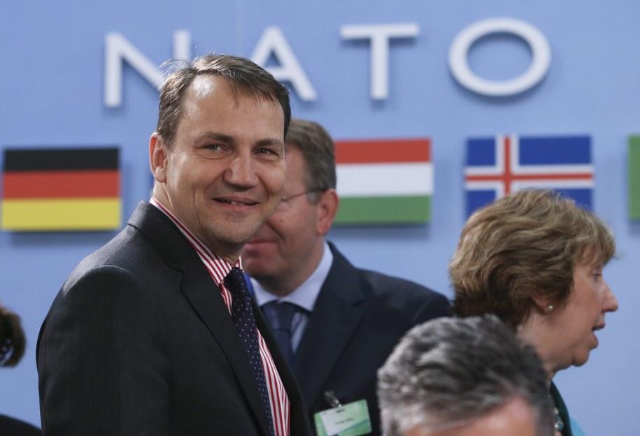 Według niemieckiego dziennika na aferze podsłuchowej najbardziej ucierpiał Radosław Sikorski /OLIVIER HOSLET /PAP/EPA