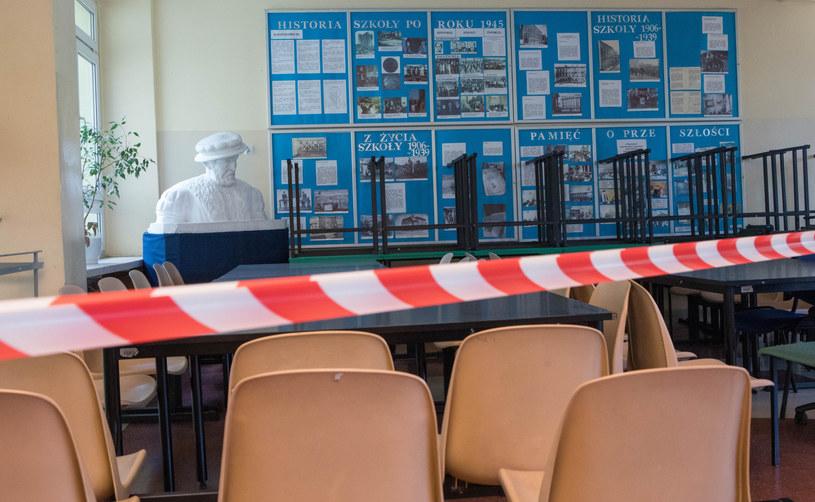 Według nieoficjalnych informacji szkoły średnie mają przejść na zdalne nauczanie /Tomasz Jastrzebowski/REPORTER /Reporter