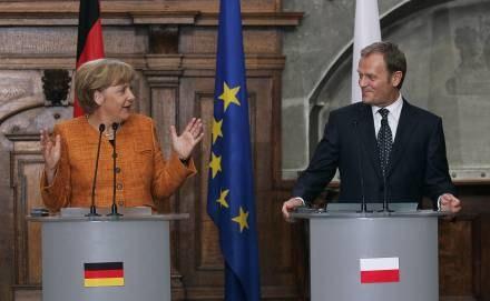 Według PiS nie ma konkretnych efektów wizyty Angeli Merkel w Polsce /AFP