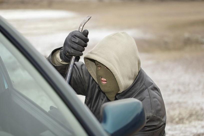 Według policji, w rankingu przestępczości europejskich przybyszy przodują Rumuni. /123RF/PICSEL