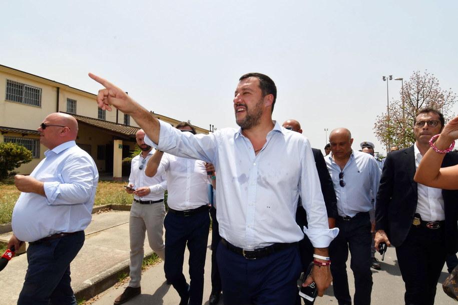 Według portalu Buzzfeed, Rosjanie chcieli finansować partię Salviniego /ORIETTA SCARDINO /PAP/EPA