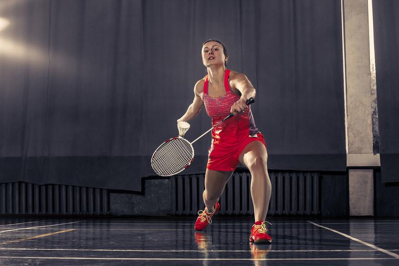 Według raportu British Journal of Sports Medicine, systematyczne sesje tenisa i badmintona zmniejszają ryzyko śmierci o 47 proc. /123RF/PICSEL