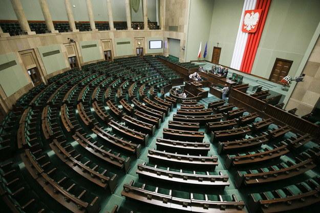Według sondażu PiS stracił większość /Paweł Supernak  (PAP) /INTERIA.PL