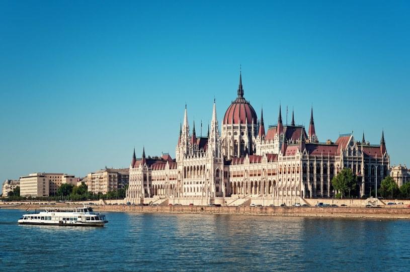 Według szacunków portalu gospodarczego Portfolio z połowy zeszłego roku około 600 tys. Węgrów wyemigrowało do innych państw UE /fazon /123RF/PICSEL