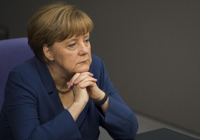 Według WikiLeaks, Amerykanie podsłuchiwali Angelę Merkel i jej otoczenie /AFP