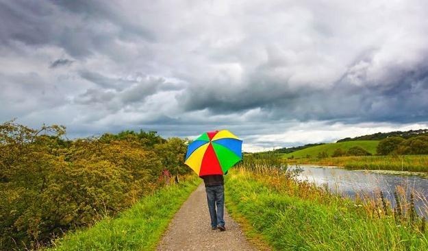 Weekend majowy będzie w tym roku wyjątkowo chłodny i deszczowy /123RF/PICSEL