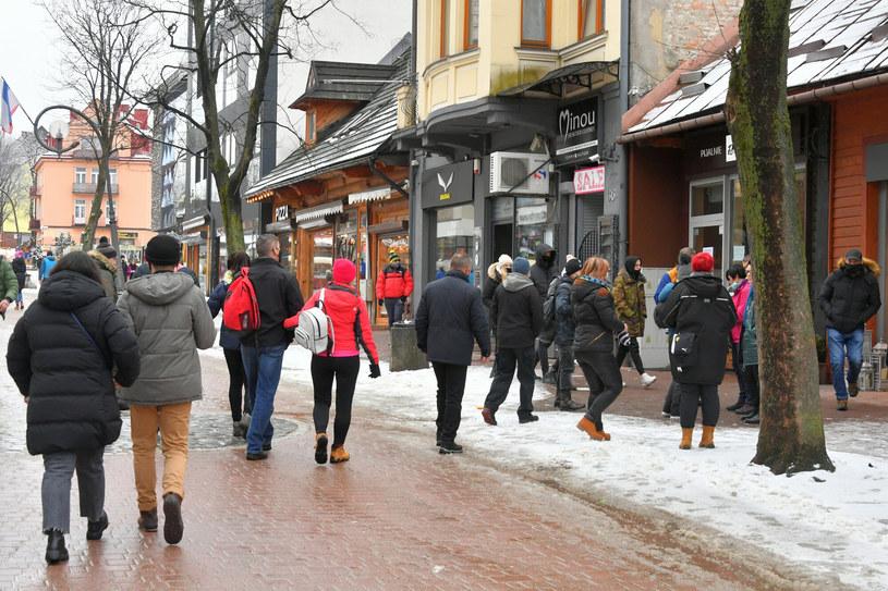 Weekend na Krupówkach minął spokojniej, niż w poprzednich tygodniach /Fot. Pawel Murzyn /East News