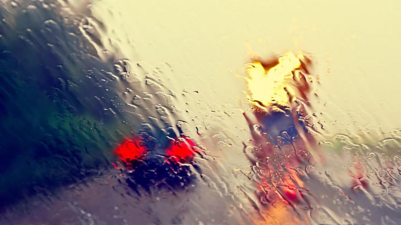 Weekend upłynie pod znakiem deszczu /123RF/PICSEL