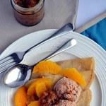 Wegańskie naleśniki z nadzieniem daktylowo-pomarańczowym