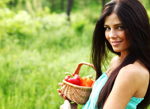 Wegetarianie mają niższy poziom cholesterolu i niższe ciśnienie krwi /123RF/PICSEL