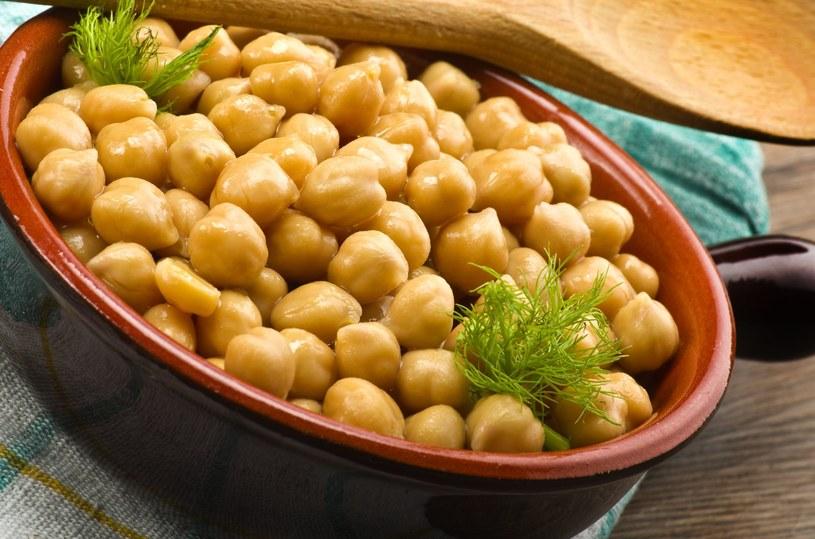 Wegetarianie powinny spożywać warzywa strączkowe codziennie /123RF/PICSEL