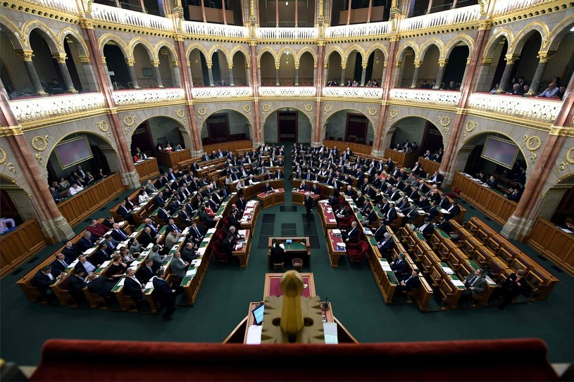 Węgierski parlament /Attila Kisbenedek /AFP