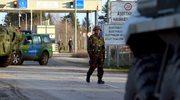 Węgry: Policjanci i żołnierze pobili grupę imigrantów. Raport HRW