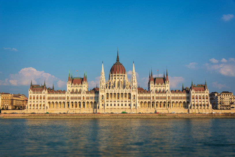 Węgry poprą globalny podatek minimalny. Parlament w Budapeszcie /123RF/PICSEL