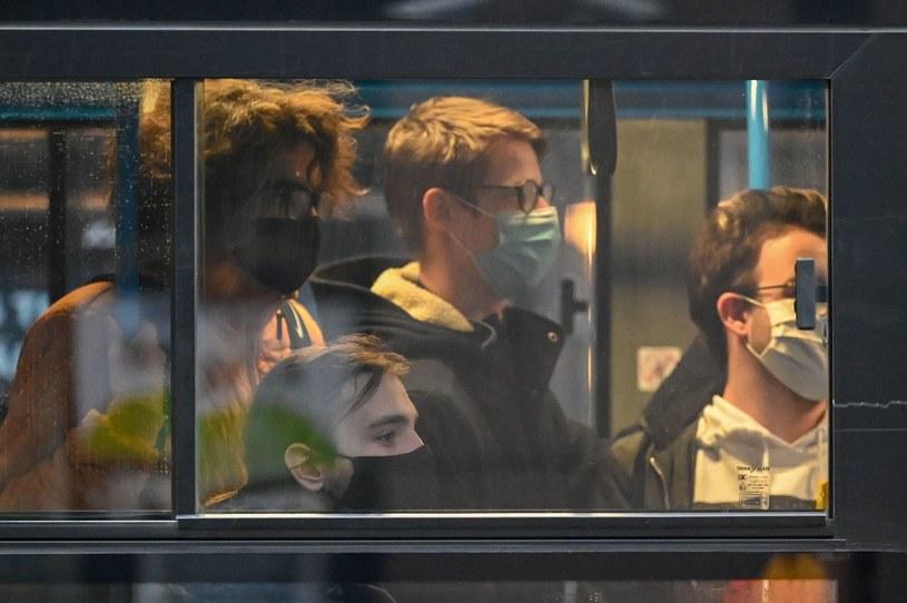 Węgrzy w walce z koronawirusem przetestują kluczowych pracowników /ATTILA KISBENEDEK / AFP /AFP