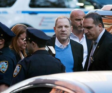Weinstein usłyszał zarzuty, został zwolniony za kaucją