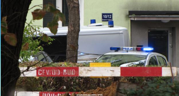 Wejście do przedszkola, w pobliżu którego znaleziono niewybuch /Kamil Młodawski /RMF FM