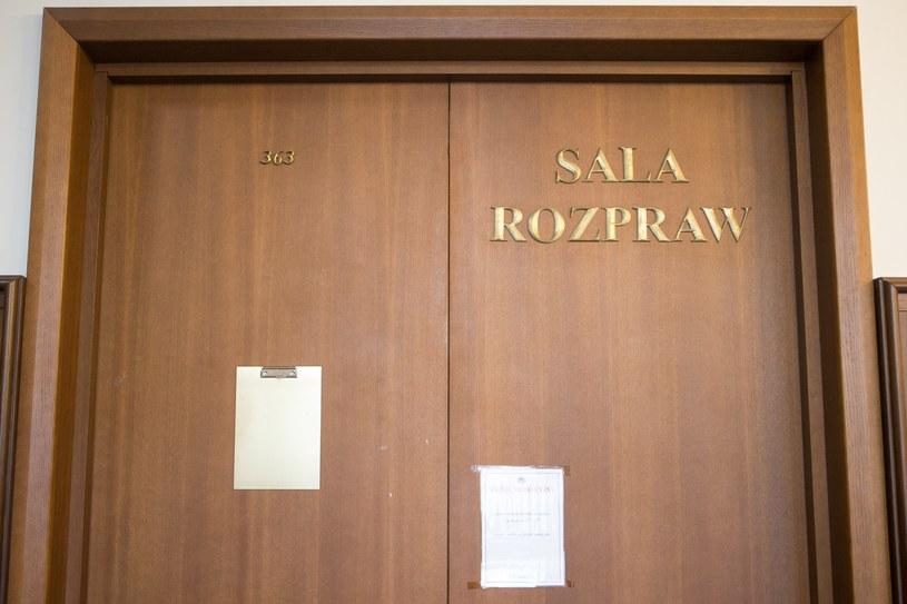Wejście na salę rozpraw, zdj. ilustracyjne /Tomasz Jastrzębowski /Reporter