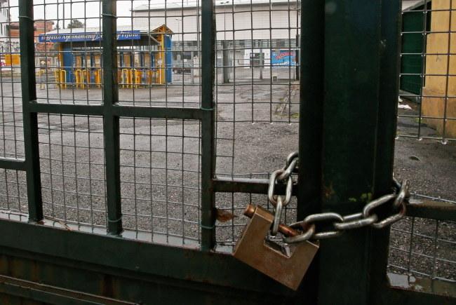 Wejście na stadion Ennio Tardini w Parmie /PAP/EPA