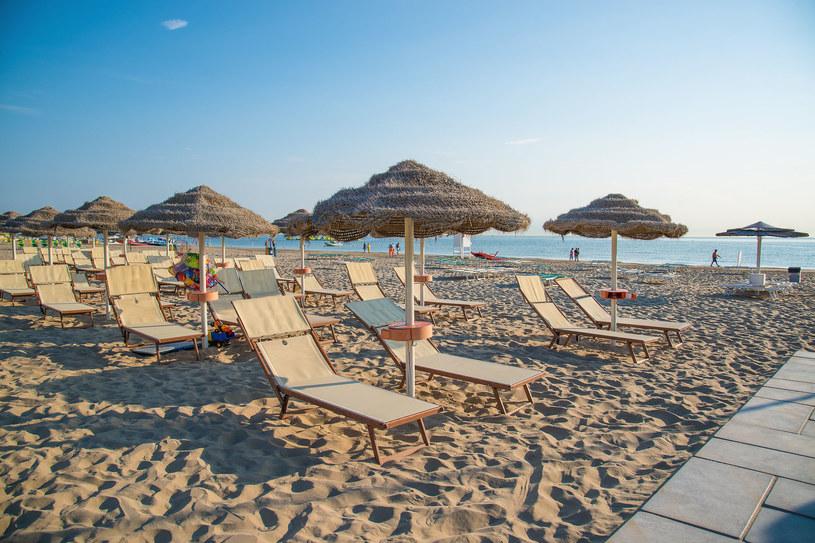 Wejście na teren włoskich kąpielisk czy plaż należy unikać zgromadzeń i zachować bezpieczne odległości /123RF/PICSEL