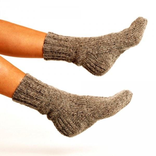 Wełniane skarpety na rozpychanie butów /© Photogenica
