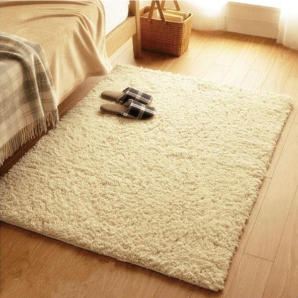 wełniany dywan /© Photogenica