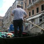 Wenecja na czerwono w hołdzie prześladowanym chrześcijanom
