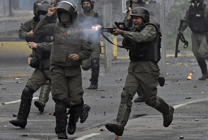 Wenezuelskie wojsko w czasie antyrządowych protestów /Carlos BECERRA /AFP