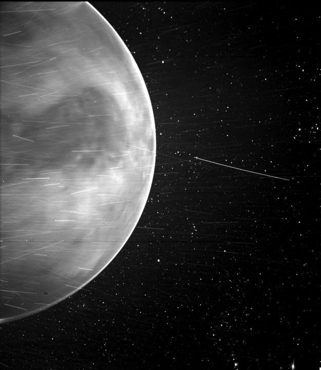 Wenus w obiektywie WISPR / NASA/Johns Hopkins APL/Naval Research Laboratory/Guillermo Stenborg and Brendan Gallagher /PAP/EPA