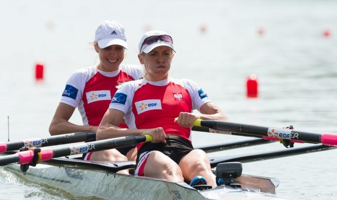 Weronika Deresz (z prawej) i Joanna Dorociak /AFP