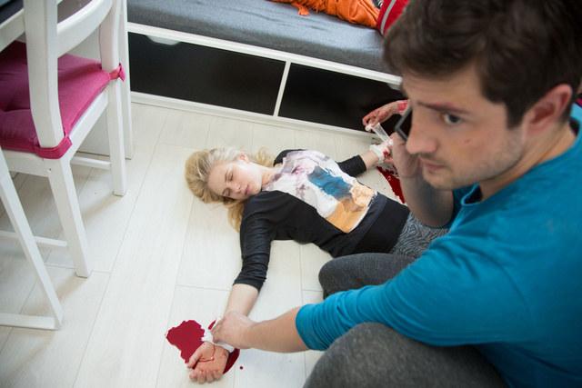 Weronika - ofiara gwałtu - spróbuje popełnić samobójstwo /Agencja W. Impact