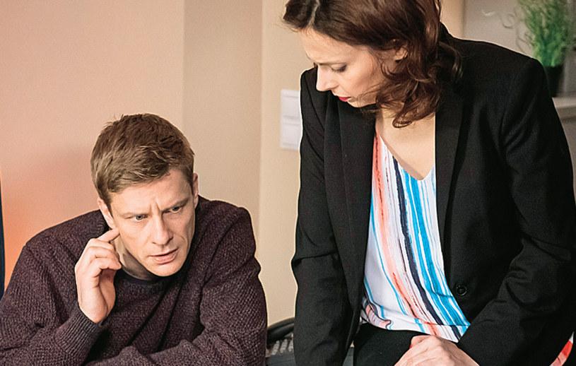 Weronika (Renata Dancewicz) spróbuje na różne sposoby uspokoić odchodzącego od zmysłów Tadeusiaka /Kurier TV