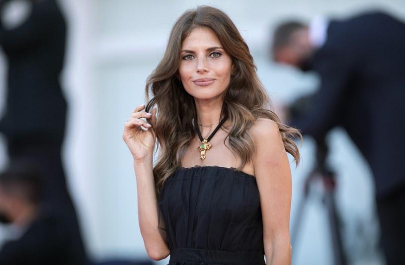 Weronika Rosati jest piękną kobietą /Rex Features /East News