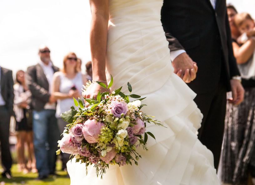 Wesele to święto pary młodej, ale organizowane dla gości /123RF/PICSEL