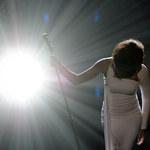 """Whitney Houston skończyłaby 55 lat. Czego dowiadujemy się z dokumentu """"Whitney""""?"""