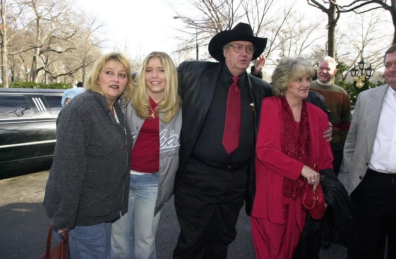 Whittaker ze swoją pierwszą żoną, córką i wnuczką Brandi - wtedy 15-letnią. Dwa lata później nastolatkę znaleziono martwą w opuszczonej furgonetce /Michael Appleton/NY Daily News /Getty Images