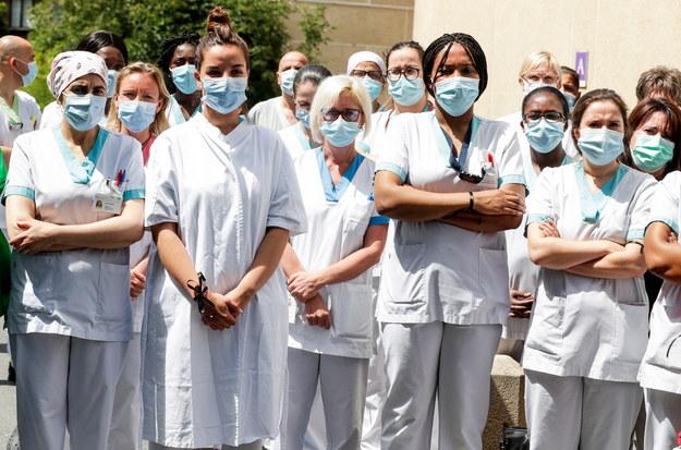 WHO: 183 tys. infekcji w niedzielę to najwyższy dzienny bilans zakażeń od wybuchu pandemii /STEPHANIE LECOCQ  /PAP/EPA