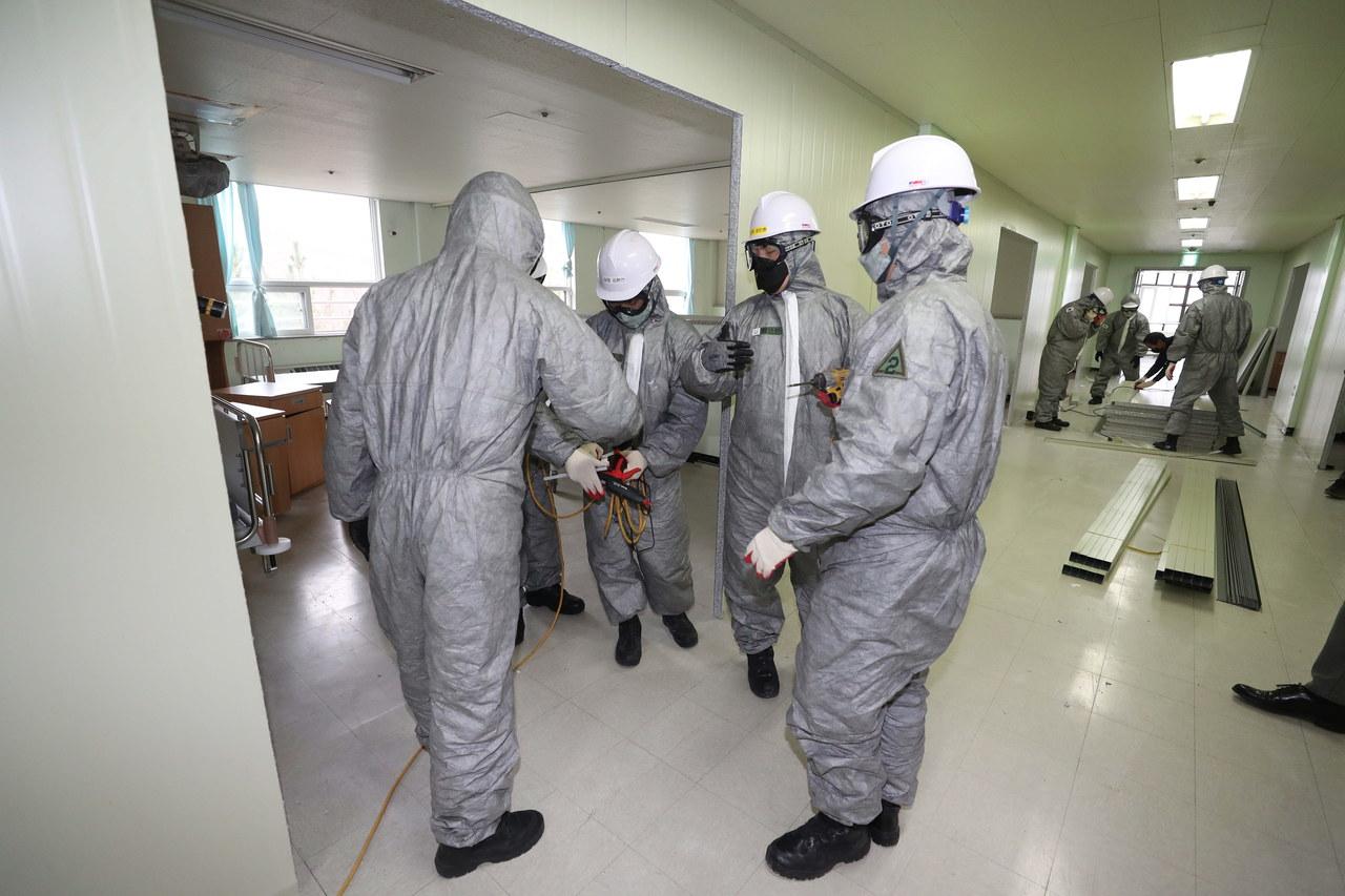 WHO: Koronawirus może dotrzeć do większości krajów świata