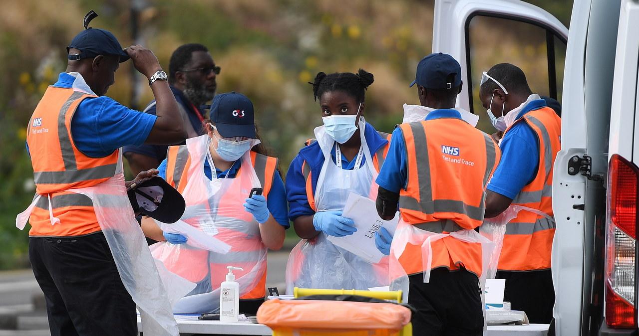 """<a href=""""https://www.rmf24.pl/raporty/raport-koronawirus-z-chin/najnowsze-fakty/news-who-o-pandemii-koronawirusa-niepokojace-trendy-w-niektorych-,nId,4736955"""">WHO o pandemii koronawirusa: Niepokojące trendy w niektórych krajach</a> thumbnail  Gwałtowny wzrost zakażeń koronawirusem w Polsce. Złe wieści z Czech i Ukrainy [NA ŻYWO] 000AI0JCDRO5MR0Q C461"""