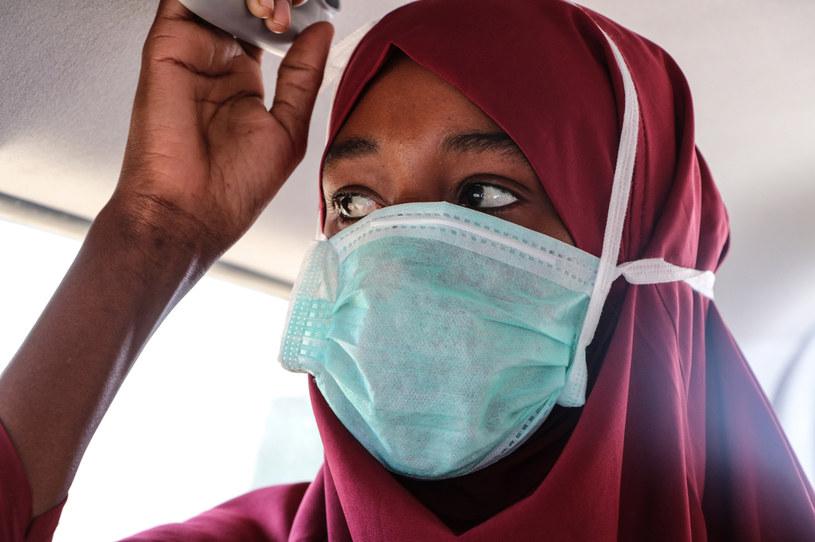 WHO ostrzega przed nasileniem trzeciej fali COVID-19 w Afryce /Abdirazak Hussein FARAH /AFP