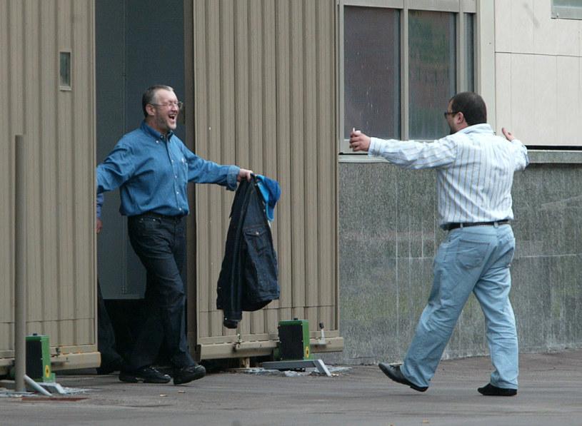 Wiaczesław Iwankow (z lewej) opuszcza amerykańskie więzienie w 2004 roku /AFP