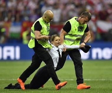 Wiadomo, kto wbiegł na murawę podczas finału mistrzostw świata w Rosji. Pussy Riot potwierdzają!