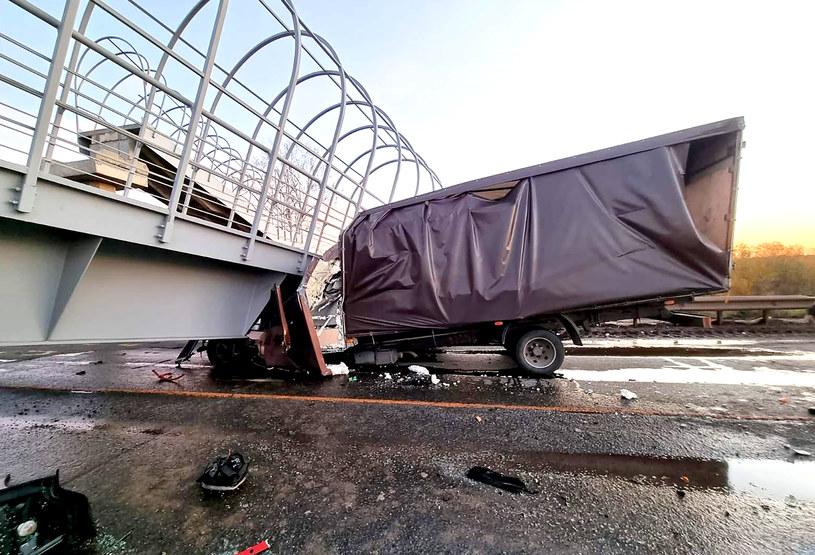 Wiadukt spadł na samochody /Perm Territory Branch of the Russian Ministry of Interior Affairs/TASS /Agencja FORUM