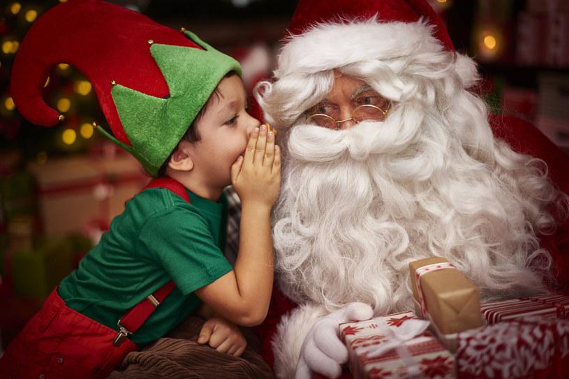 Wiara w św. Mikołaja to nie powód do wstydu, a jedno z najpiękniejszych wspomnień z dzieciństwa /123RF/PICSEL