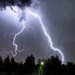 Wiatry słoneczne wywołują pioruny na Ziemi
