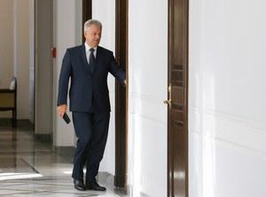 Wicemarszałek Sejmu Cezary Grabarczyk w drodze na spotkanie z Ewą Kopacz /Paweł Supernak /PAP