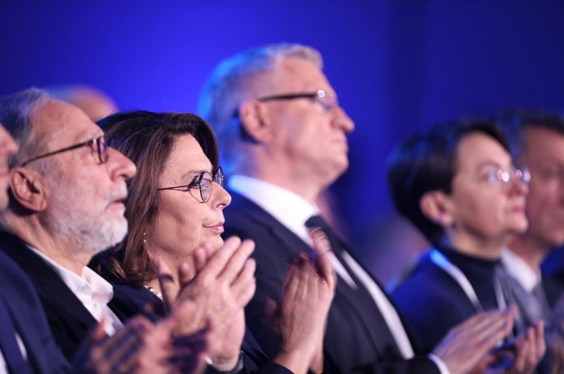 Wicemarszałek Sejmu, kandydatka PO w prawyborach prezydenckich Małgorzata Kidawa-Błońska (2L) z mężem Janem Kidawą-Błońskim (L) /Leszek Szymański /PAP