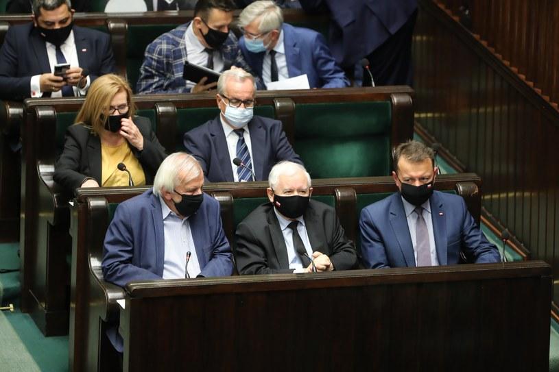 Wicemarszałek Sejmu Ryszard Terlecki, prezes PiS Jarosław Kaczyński i minister obrony Mariusz Błaszczak /Wojciech Olkuśnik /PAP